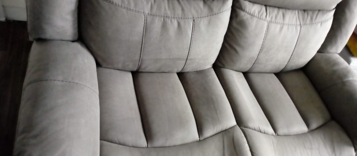 Sofa Cleaning East Wall