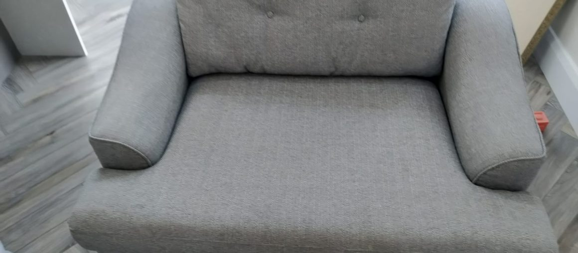 Why Business Owners Are Turning To Professional Sofa Cleaning Services